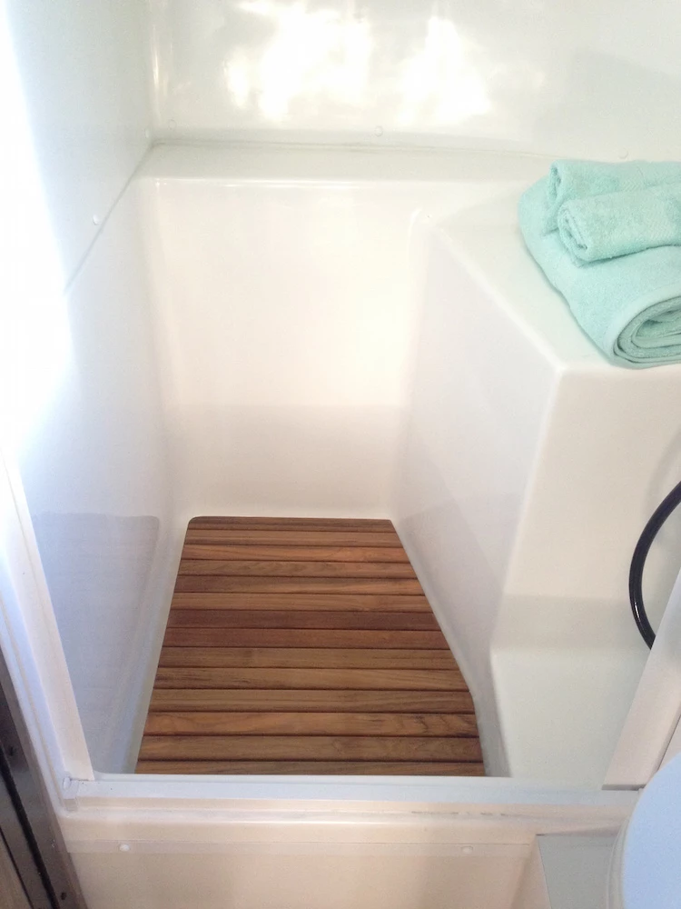17 Best images about Diy Handicap Bathroom Decks, Tile
