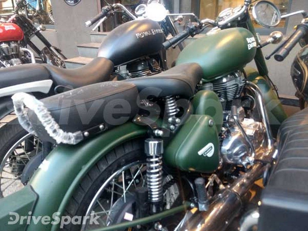 Royal Enfield Classic 500 Battle Green Spotted In Bangalore