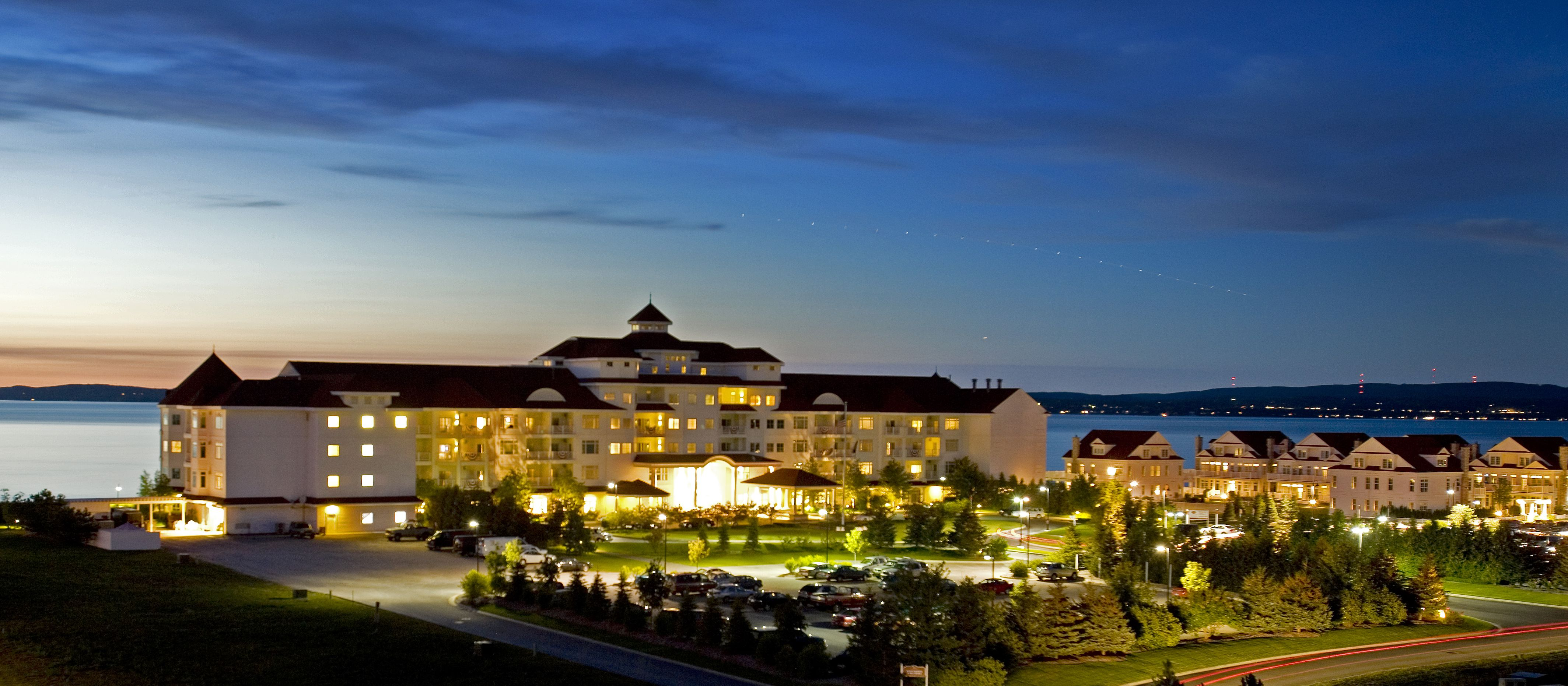 Northern Michigan Hotel Packages From Traverse City To Mackinac Island Including Shanty Creek Grand Resort Crystal Mountain And Boyne