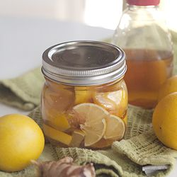 Lemon,honey and ginger for colds and sore throats