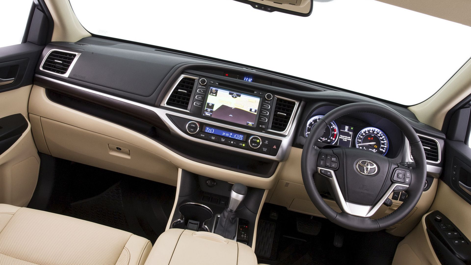 New 2019 Toyota Kluger Interior Design