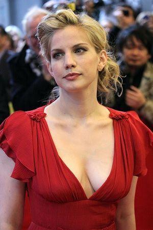 Anna Chlumsky - IMDb