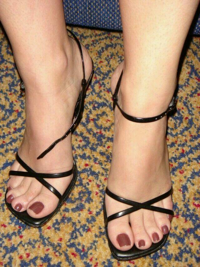Calzado, Zapatos, De Las Mujeres, La Mujer, Bonito, Hermosa, Pies De  Verano, Zapatos Calientes, Tacones Altos Sensuales