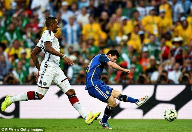Maradona Says Messi Didn T Deserve Golden Ball Award Lionel Messi Fifa World Cup