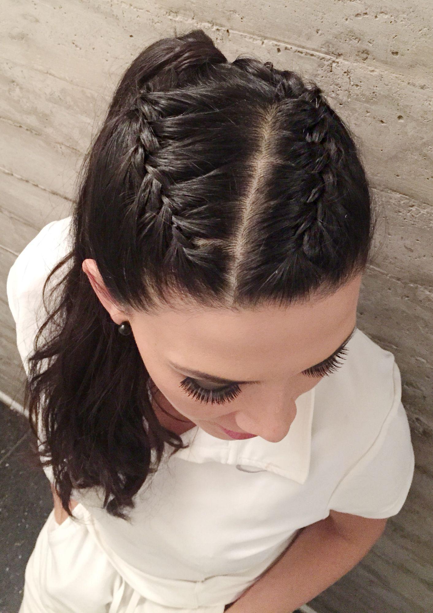 Peinados dos trenzas y pelo suelto