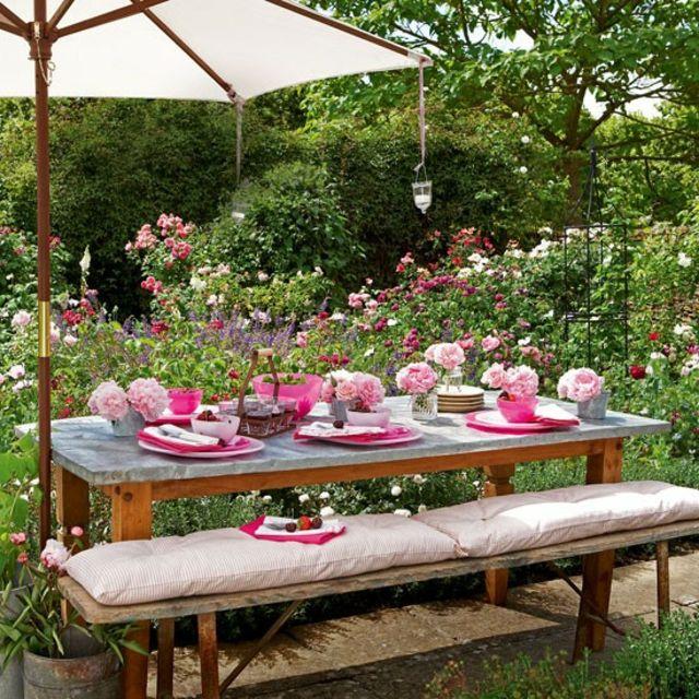 Decoration de table pour recevoir en plein air table de for Recevoir des amis a diner