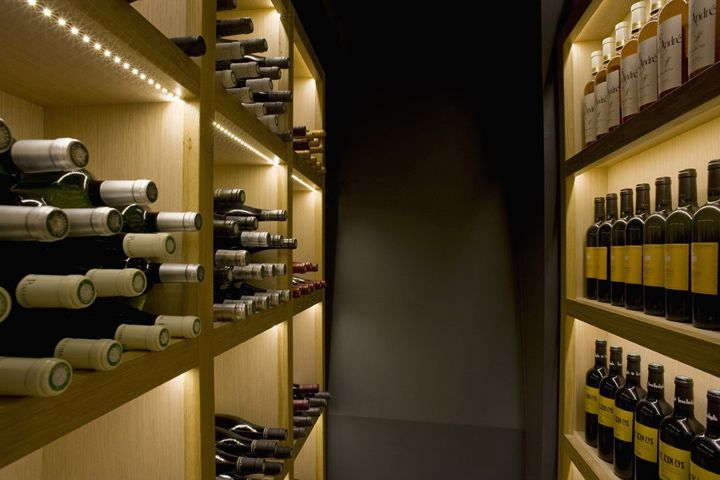 La Cave A Vin 9 Wine Bar By Cyrille Druart Paris Store Design