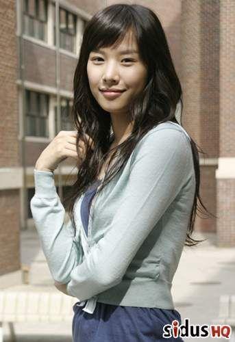 Jo Yoon Hee 조윤희 82 - debut 2002