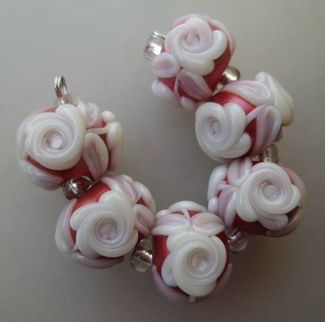 BLISS Shimmery Red Christmas Cameo Roses Lampwork Bead Set