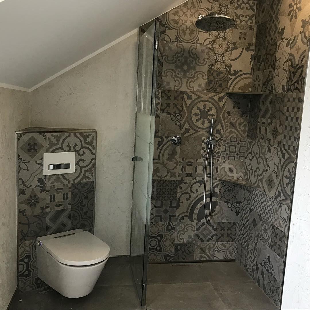 Wurth Sanitar Heizung On Instagram Baddesign Mal Anders Fliesen Dusche Duschwc Malwasanderes Bathroomdesign Bad In 2020 Bathroom Toilet