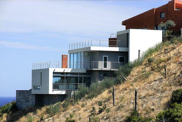 Casas En Pendiente Google Search Villa Casas En Terreno Inclinado Casas Inclinadas Casas De Montana