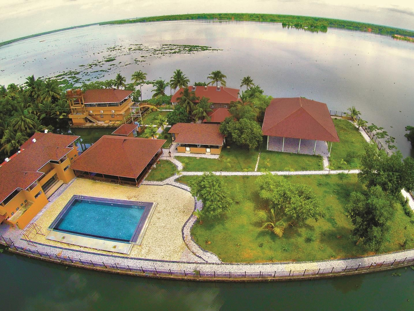 Alleppey Grand Ayur Island Resort India, Asia Stop at Grand Ayur Island Resort to discover the wonders of Alleppey. Both business travelers and tourists can enjoy the hotel's facilities and services. Service-minded staff will welcome and guide you at the Grand Ayur Island Resort. Each guestroom is elegantly furnished and equipped with handy amenities. Take a break from a long day and make use of outdoor pool, spa, massage, garden. Grand Ayur Island Resort is an excellent choic...