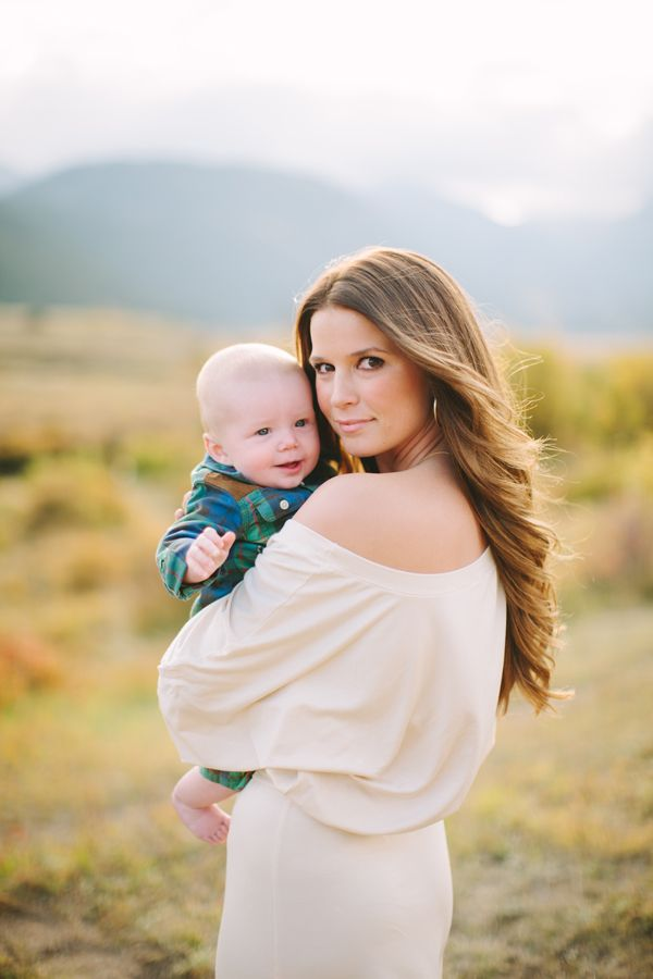 Family Pictures Great Mom And Baby Pose