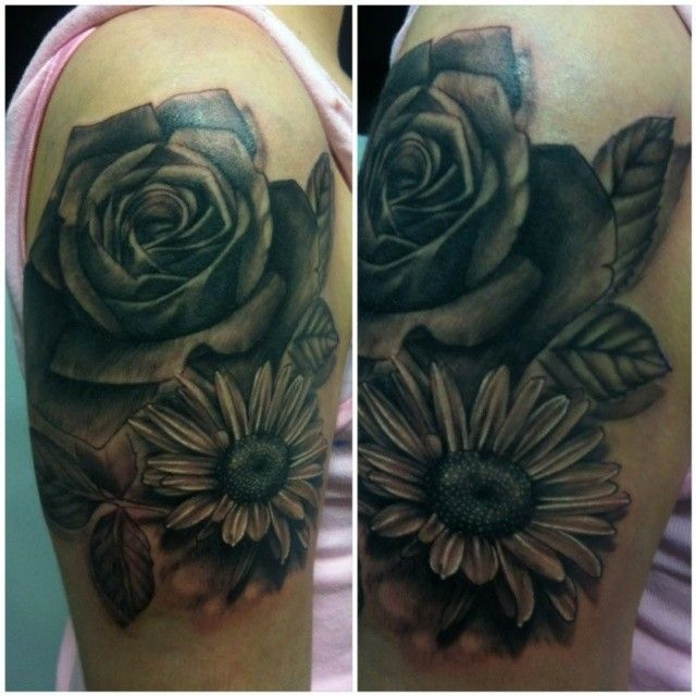 Rose And Daisy Tattoo Design On Upper Arm Jpg 640 640 Daisy Tattoo Daisy Tattoo Designs Tattoo Designs