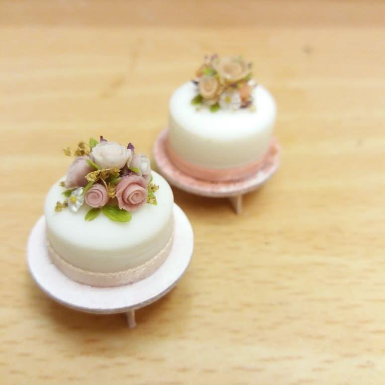 Miniature Dollhouse CookBook Barbie 1//12 Scale  Cake decorating Baking Dessert B