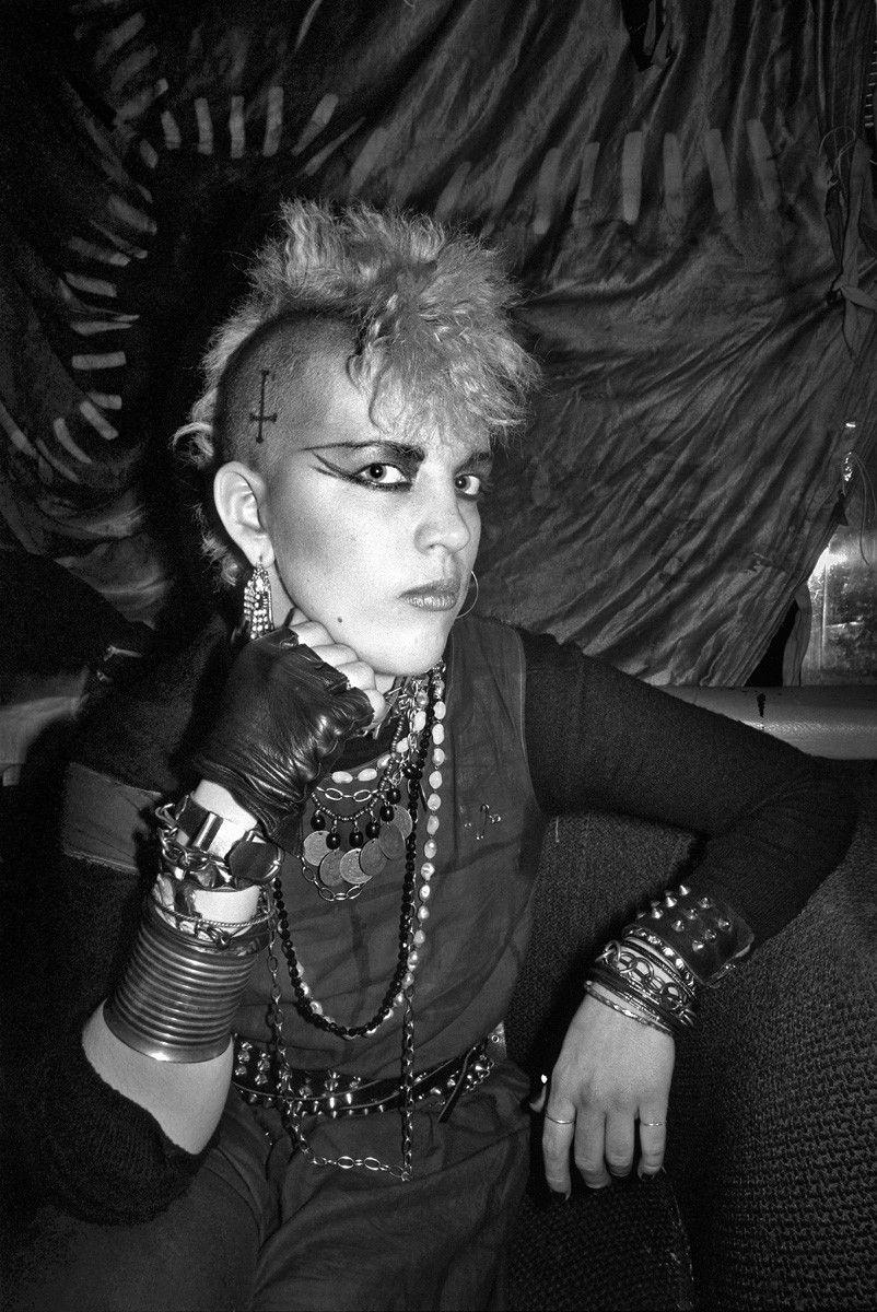 Punks, Goths, Disco Queens, Rockers and Ravers: Portraits of U.K. Nightlife | by Derek Ridgers | Cuepoint | Medium