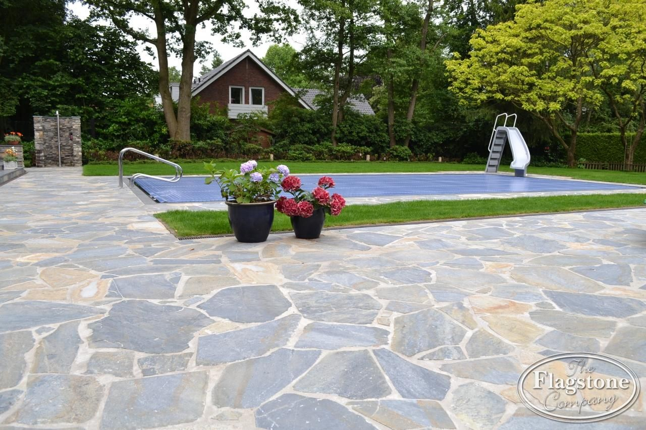 Terras buitenzwembad blue plakes tuin pinterest for Buitenzwembad tuin