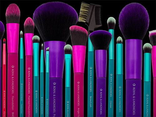 hot pink makeup brushes. these new makeup brushes at walmart are under $10 and amazing hot pink