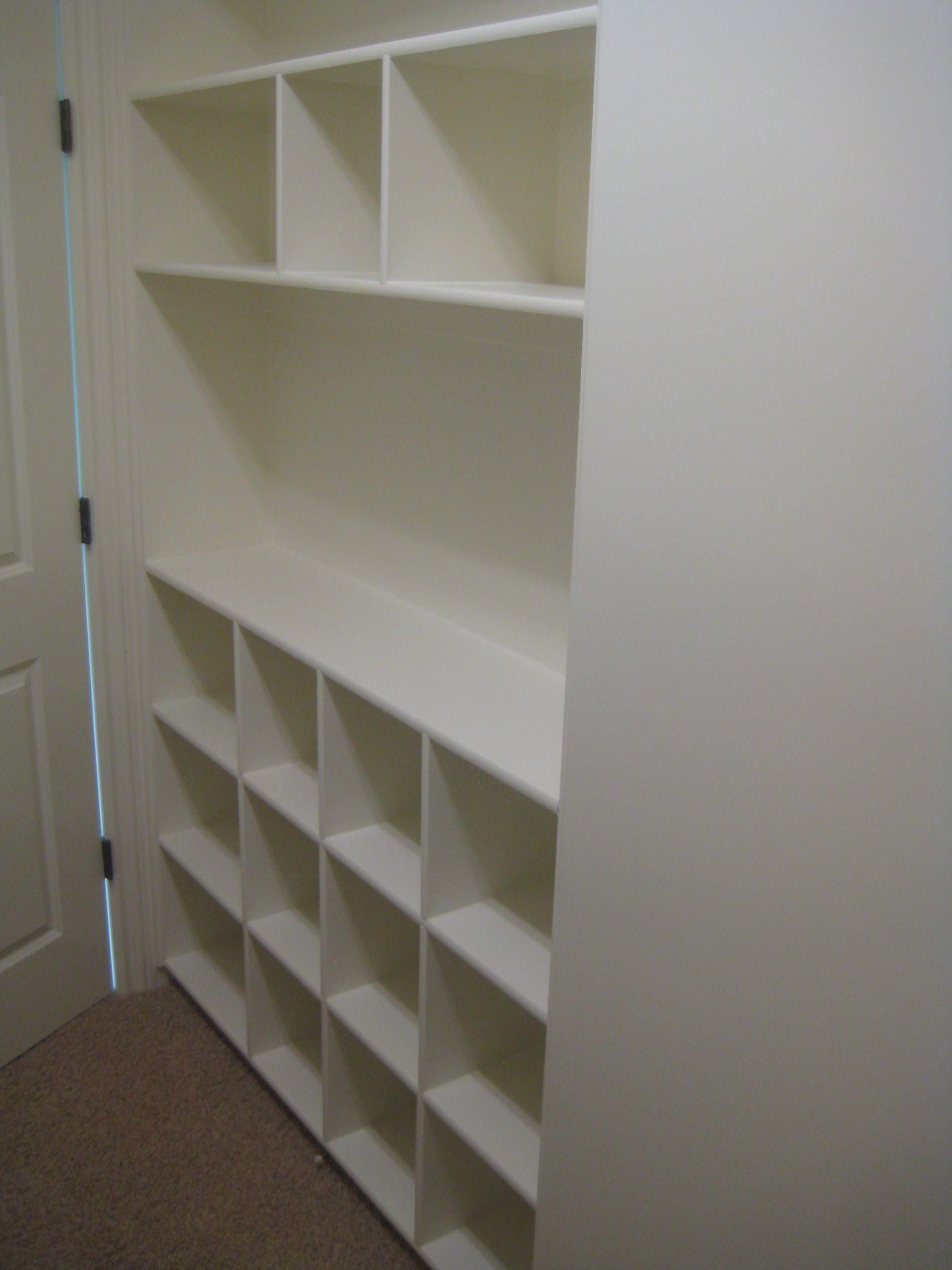 closets built in shelves organize closets bathroom. Black Bedroom Furniture Sets. Home Design Ideas
