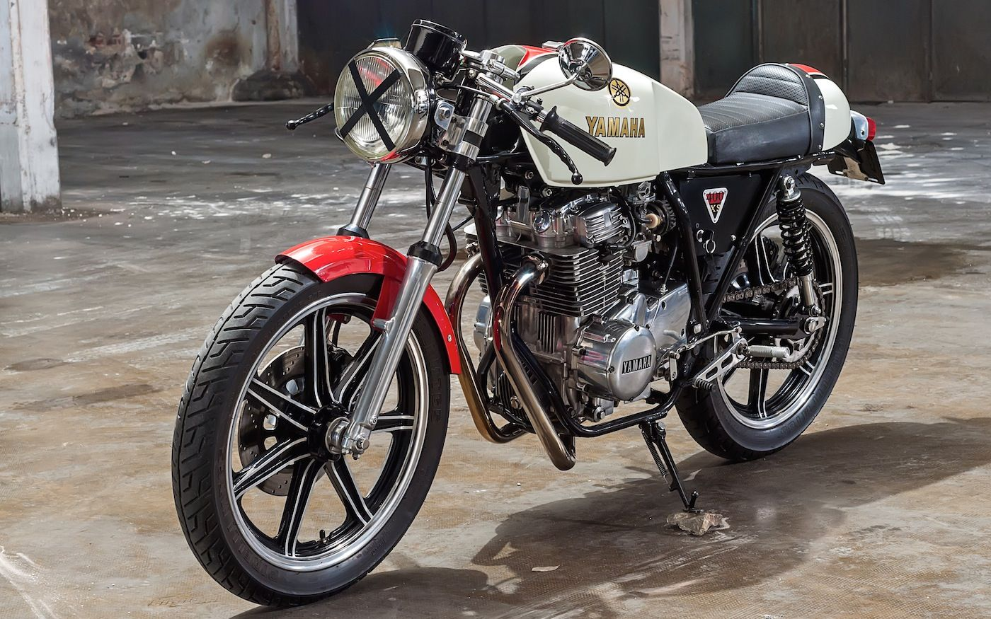 1978 Xs400 By Leandro Duberti Argentina Modified Engine From 27 To 46 Hp Two 36 Mikuni Carburettors Cafe Racer Custom Cafe Racer Yamaha Cafe Racer [ 875 x 1400 Pixel ]