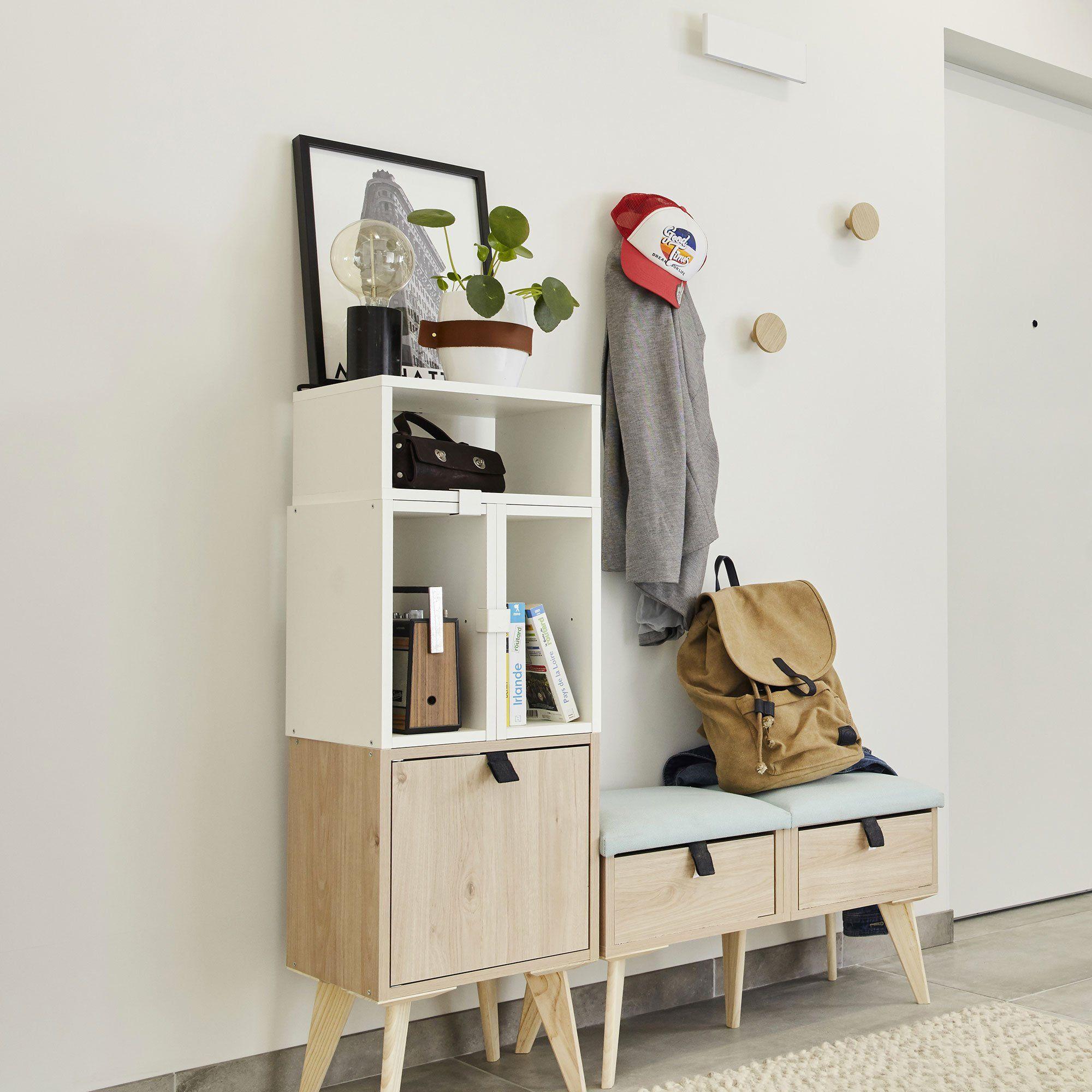 Une Entree Bien Pensee 5 Idees A Copier En 2020 Rangement Au Plafond Decoration Entree Appartement Mobilier De Salon