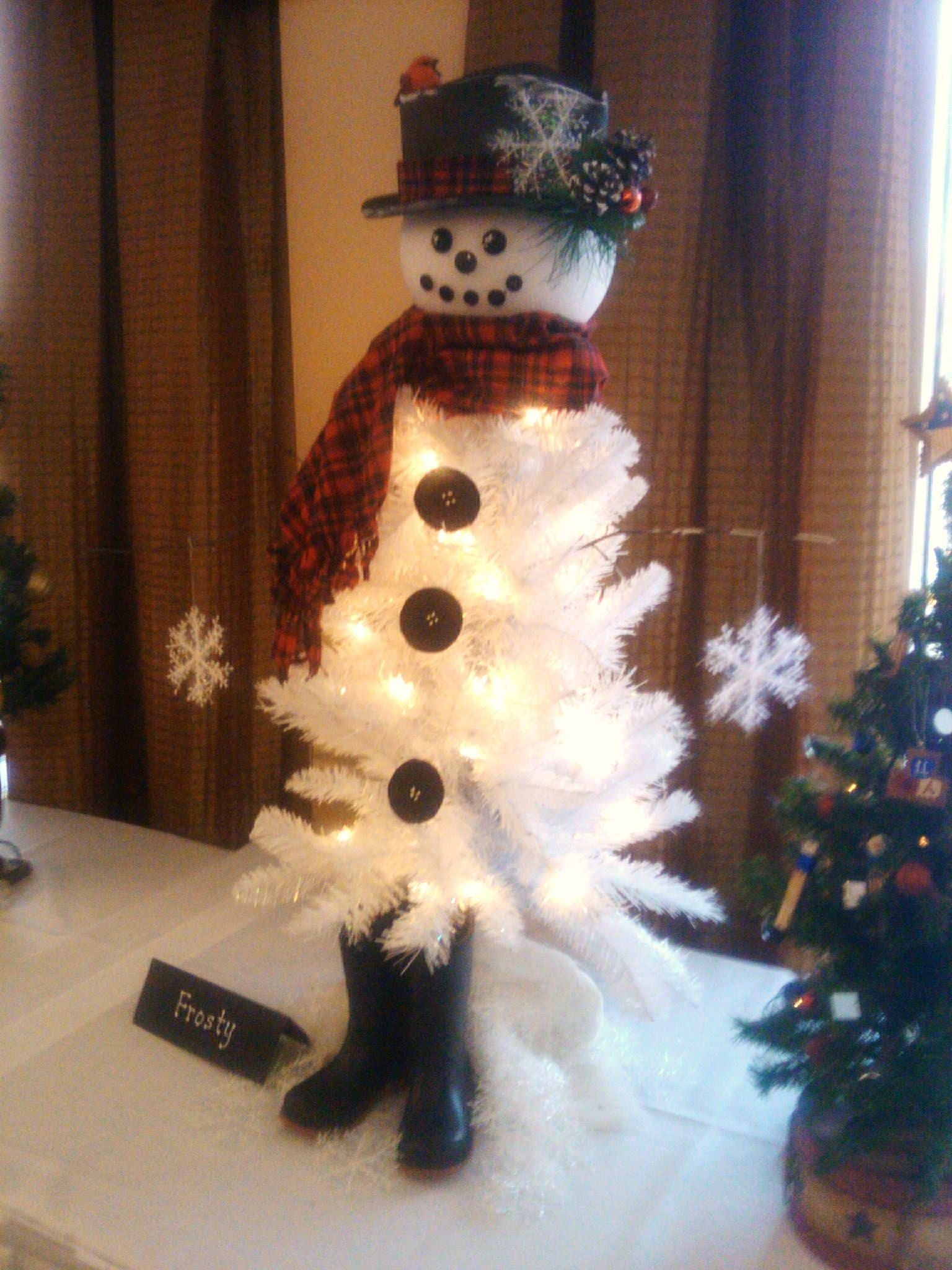 "Craft of the Season – ""Frosty The Snowman Christmas Tree"""