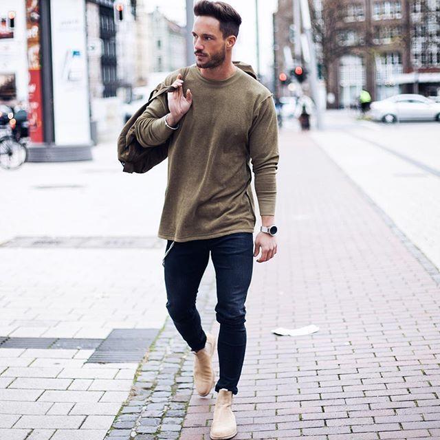 Chelsea boots \u2022 crew neck \u2022 skinny jeans