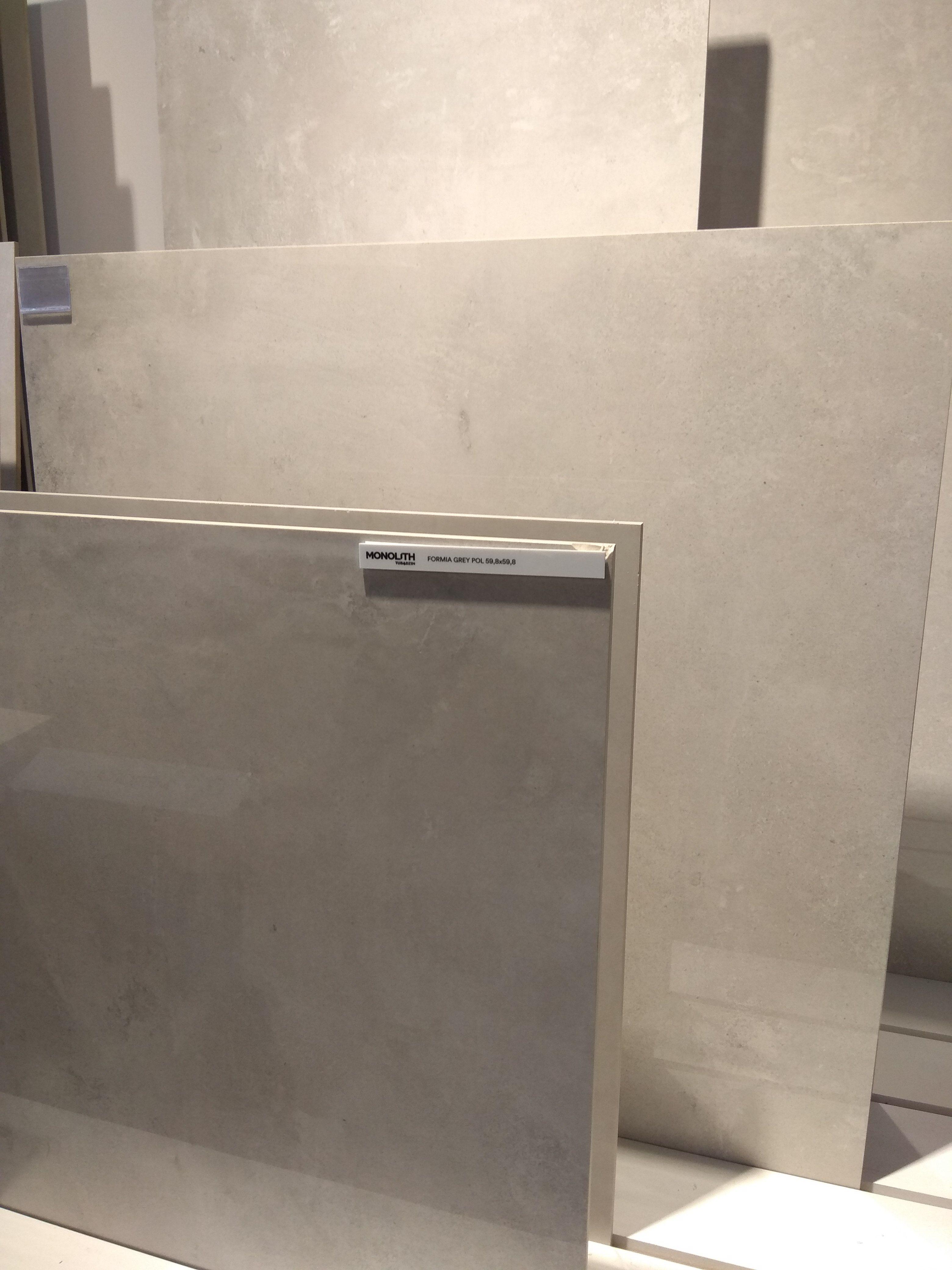 Tubądzin Monolith Formia Grey Na Zdjęciu Ta Sama Płytka W