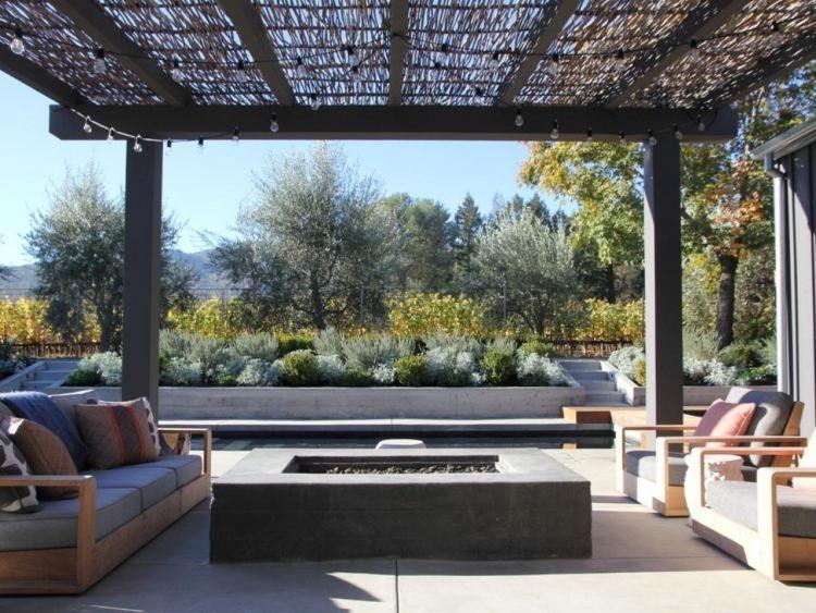 Foyer extérieur dans le jardin 50 idées remarquables pour vous!