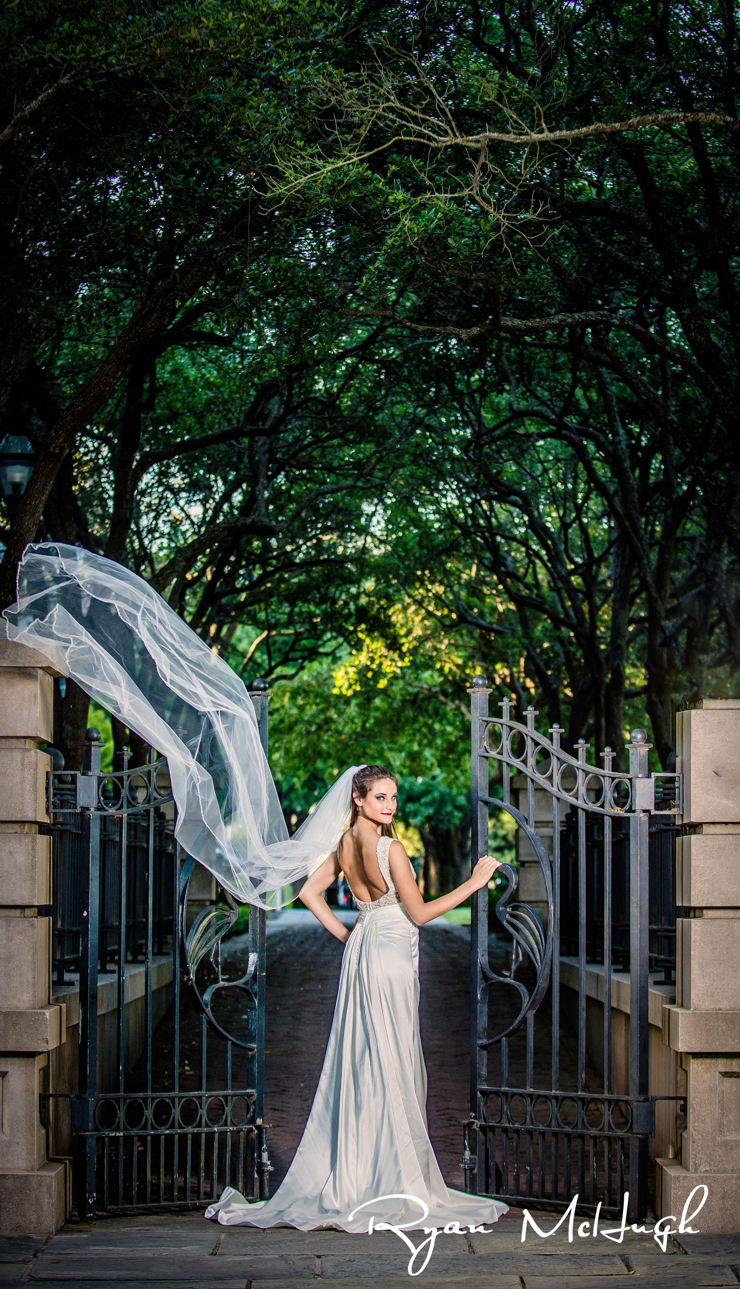 Charleston Wedding Photographer Ryan Mchugh Photography Charlestonweddings C Charleston Wedding Photography Charleston Bride Charleston Weddings Magazine