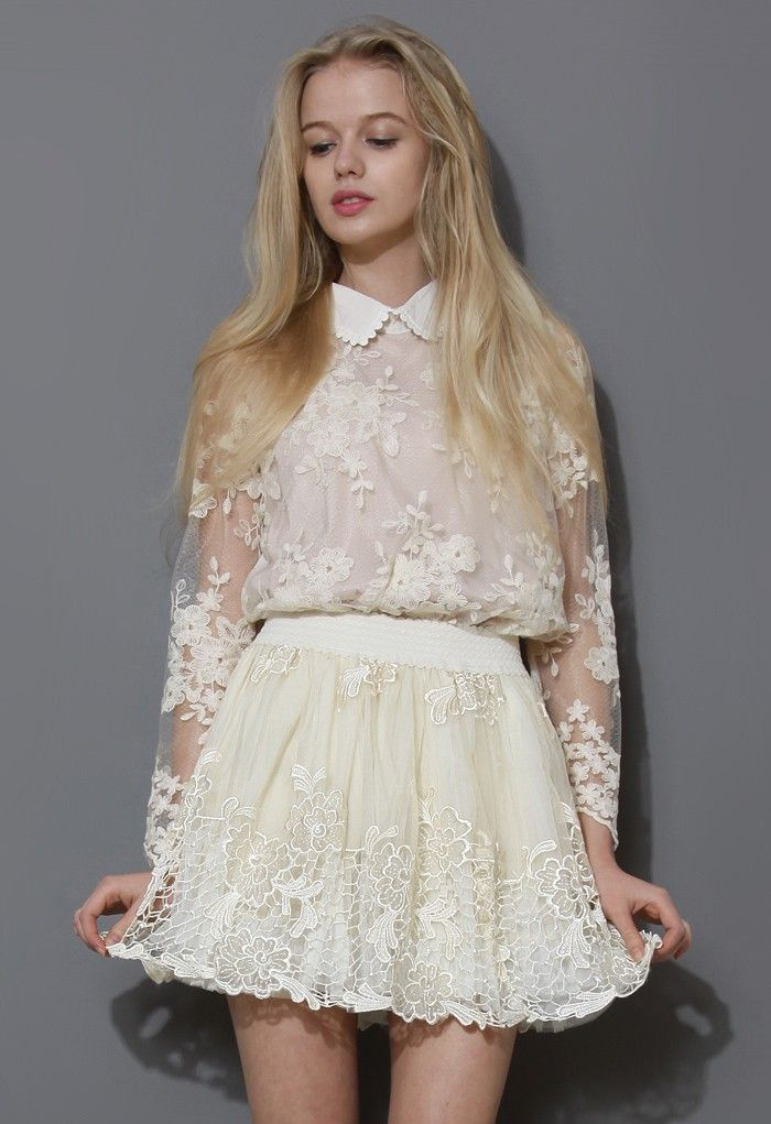 Scrolled Collar Floral Crochet Top