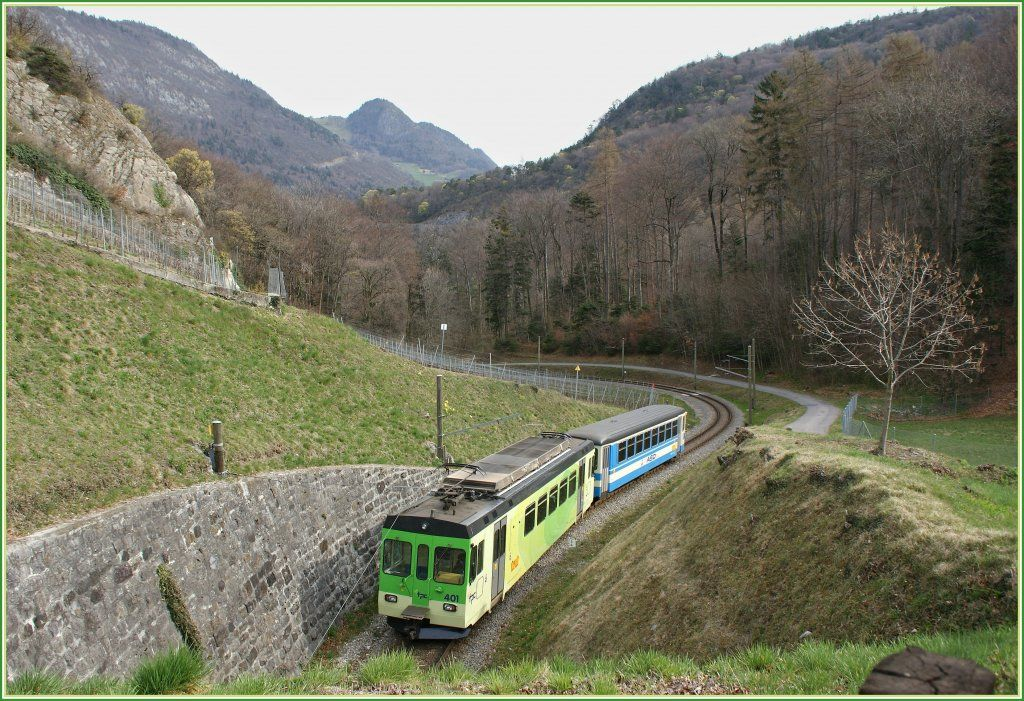 ASD trem local por Verschiez.  27.03.2011 Suisse
