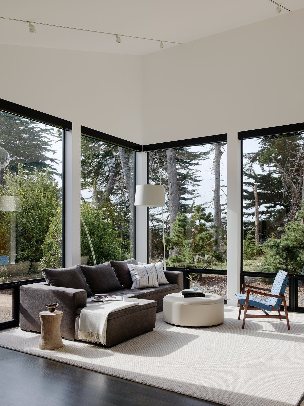 Interior Design Online: Photo 14 Of 15 In This Renovated Sea Ranch Retreat Is An