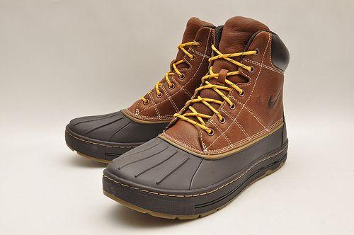 uk availability c4333 1b38e Nike ACG Woodside Hiking Boot