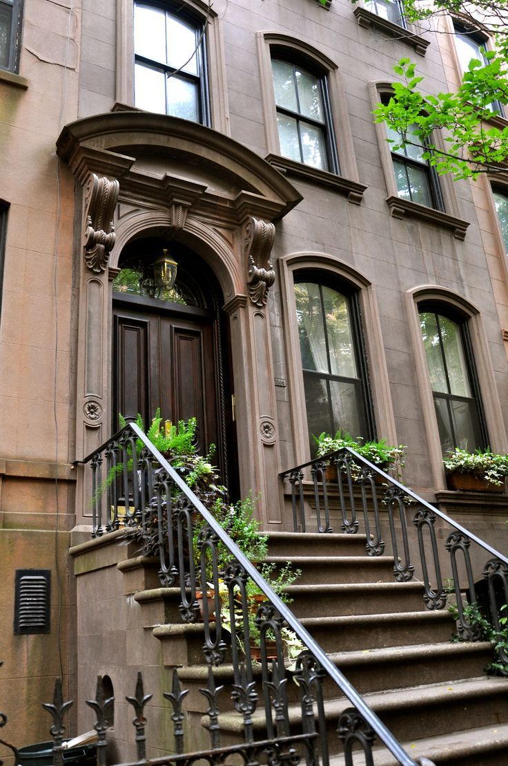 New York brownstone Townhouse exterior, New