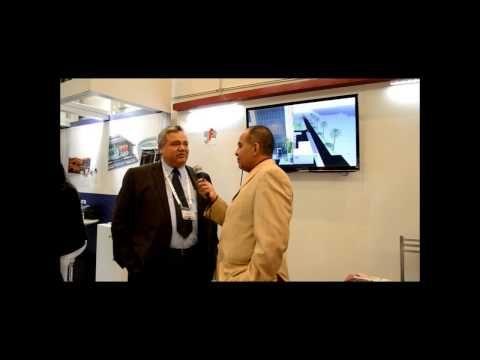 Adán Olguín entrevista a Gilberto Ferreira dentro de la Expo Datacenter Dynamics
