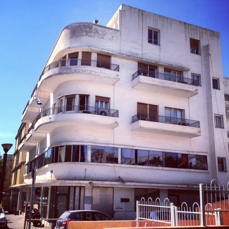 1920's Bauhaus in Tel Aviv Bauhaus architecture, White