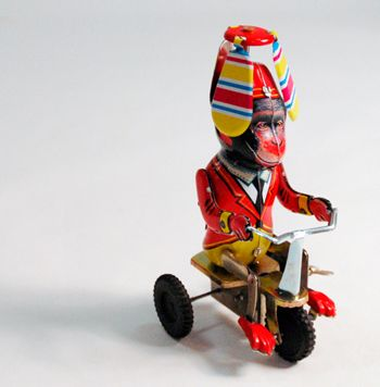 House 8810 Monkey On Tricycle 11 Com Imagens