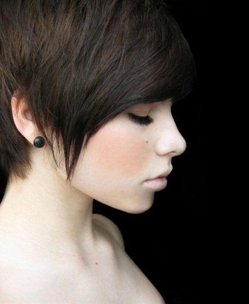 Les 25 meilleures id es de la cat gorie cheveux la gar onne sur pinterest coupe gar onne - Coupe a la garconne ...