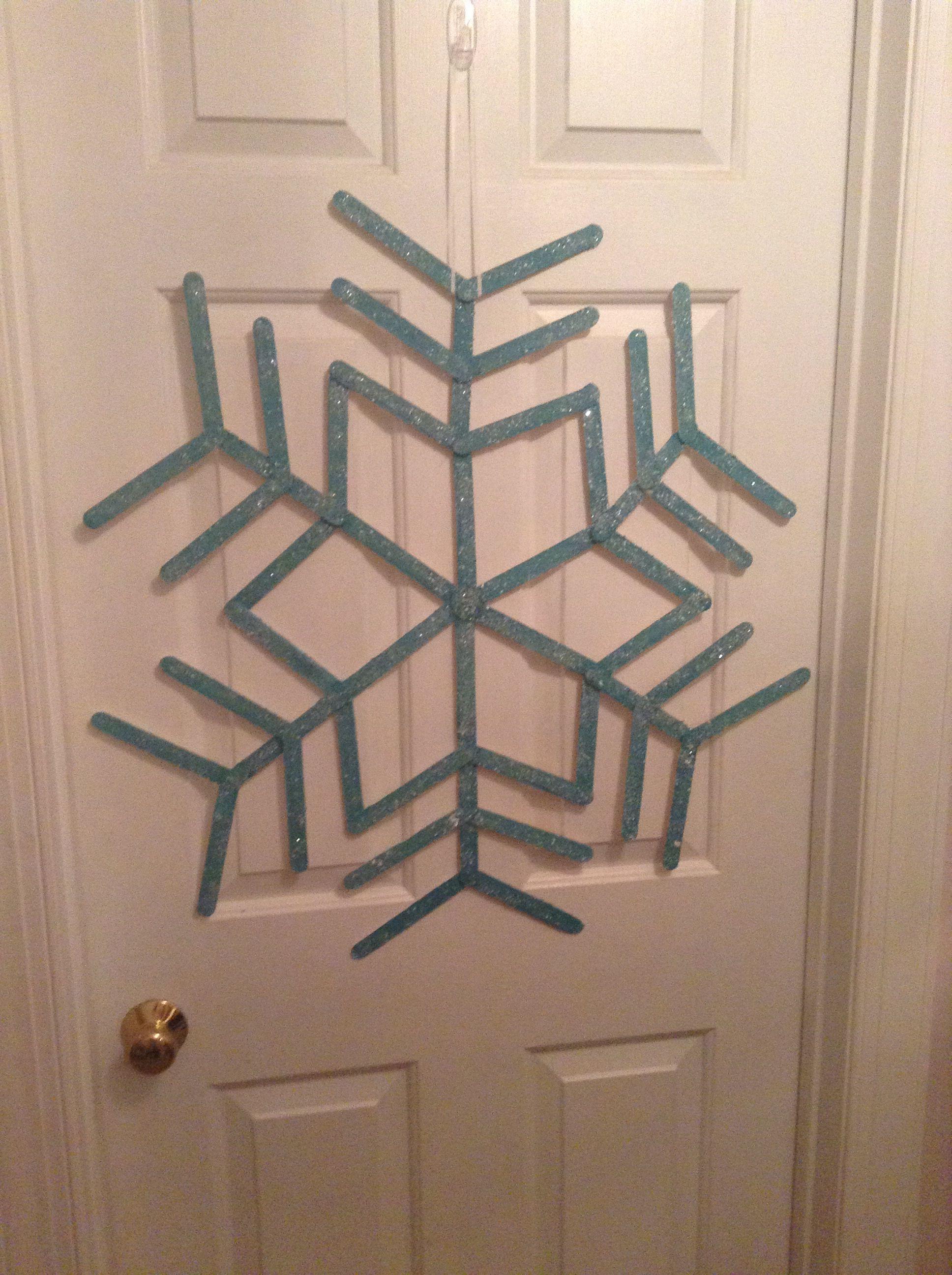 Popsicle stick snowflake craft Pinterest