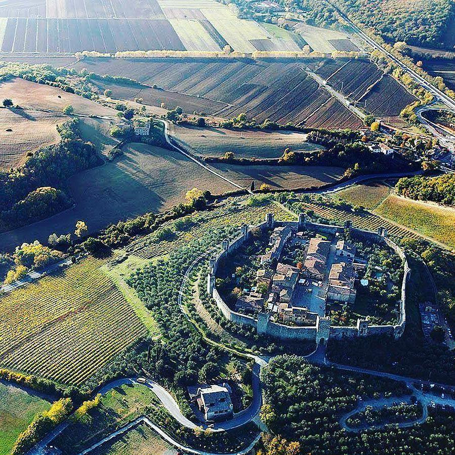 #monteriggioni : le charme de la #toscane!  #italia #landscape #insolite #fortification