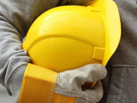 Operaio muore folgorato sul lavoro a Casandrino