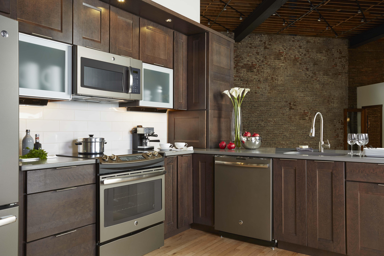 Stainless steel appliances meet aluminum doors for
