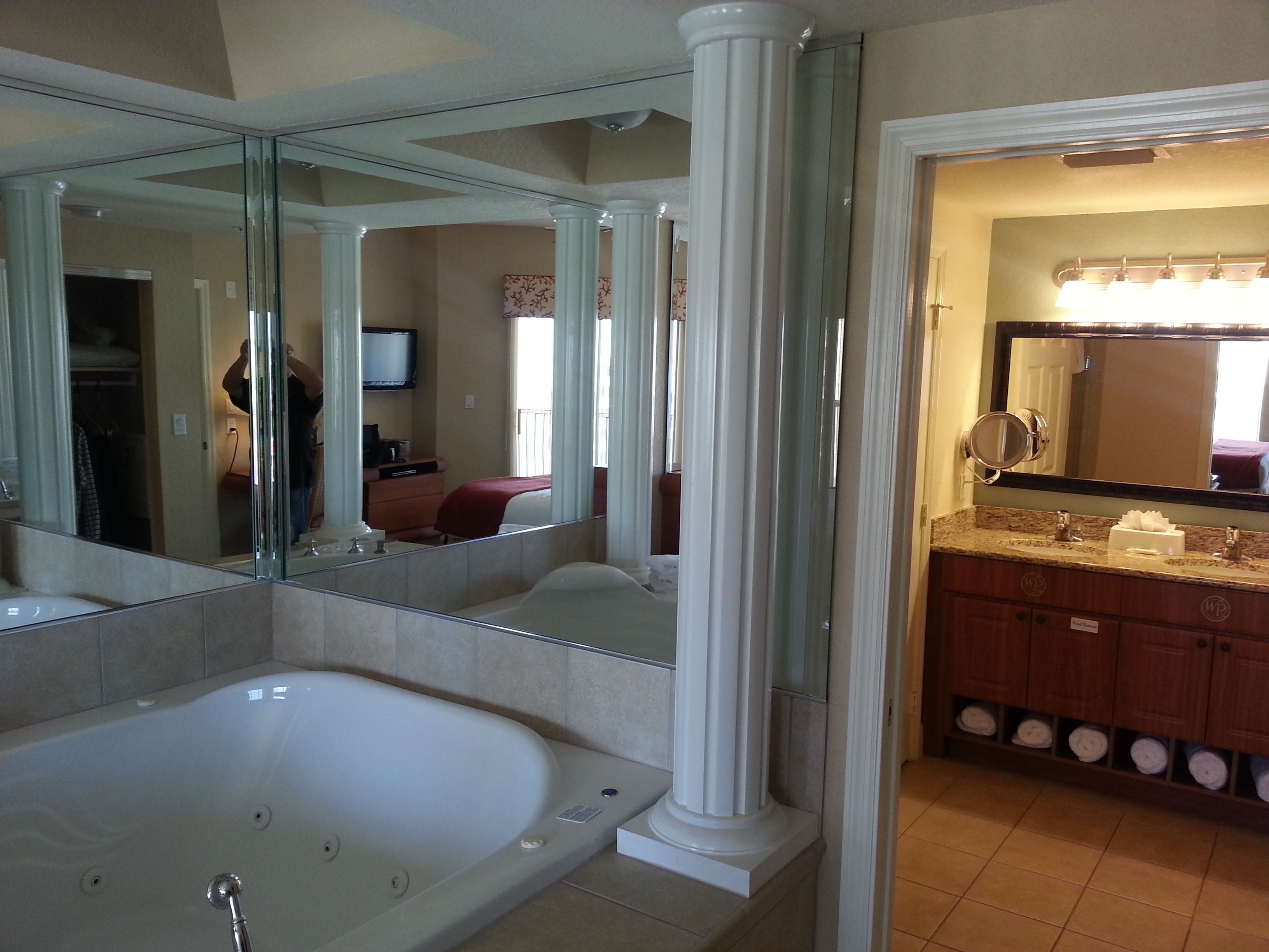 Westgate Town Center In Orlando Florida Only 2 Miles Away From Disney World I Love My Jacuzzi