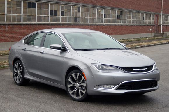 The New Chrysler 200 Wins Iihs Award With Images Chrysler 200