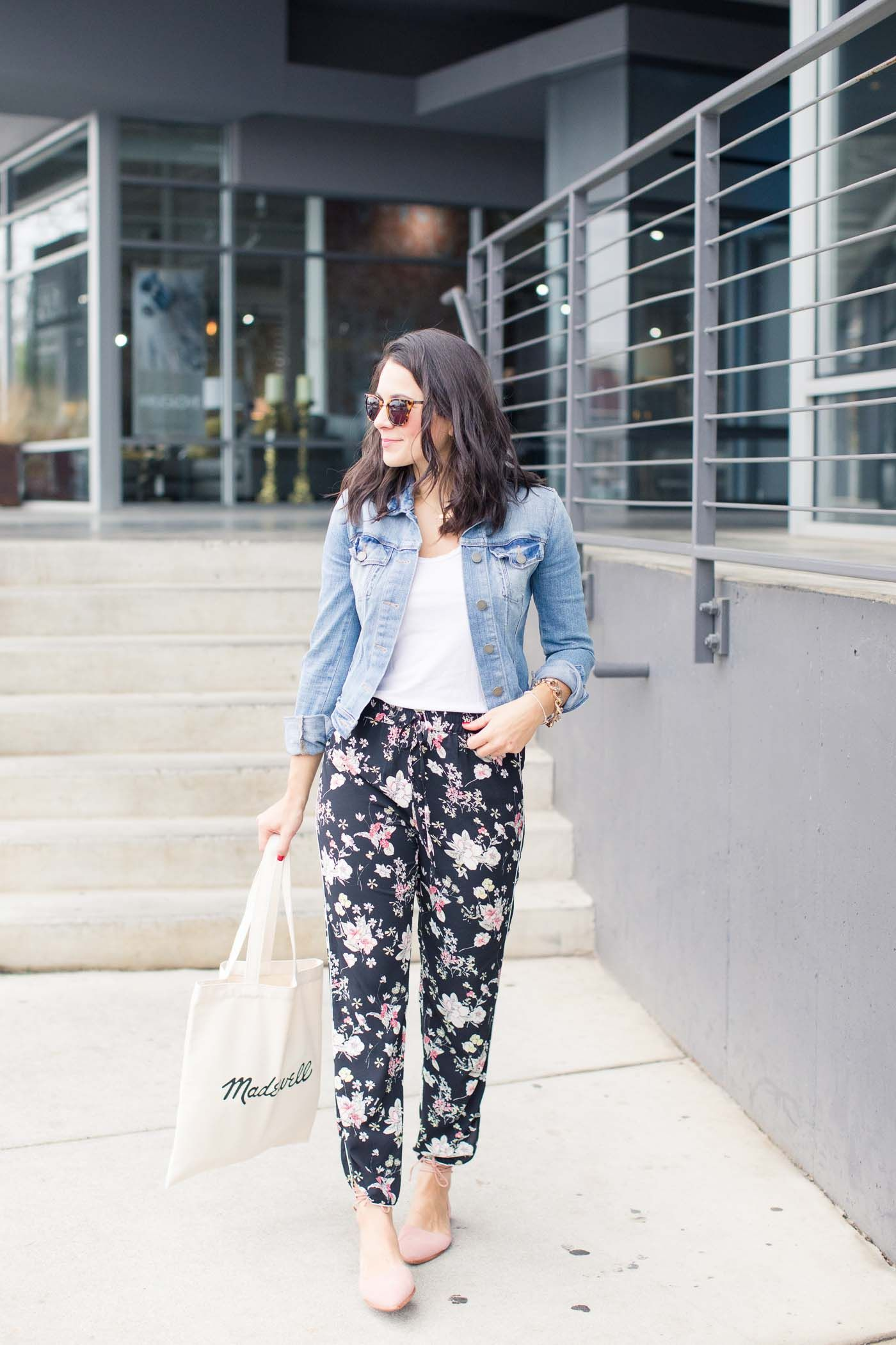 How To Style Floral Joggers Floral Pants Outfit Floral Pants