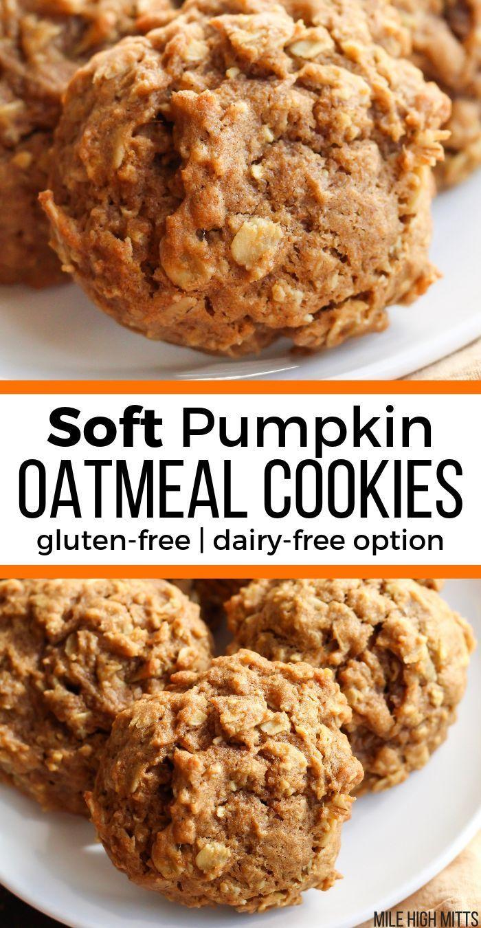 The BEST Fall dessert is a pumpkin cookie! These Soft Pumpkin Oatmeal Cookies ar #falldesserts