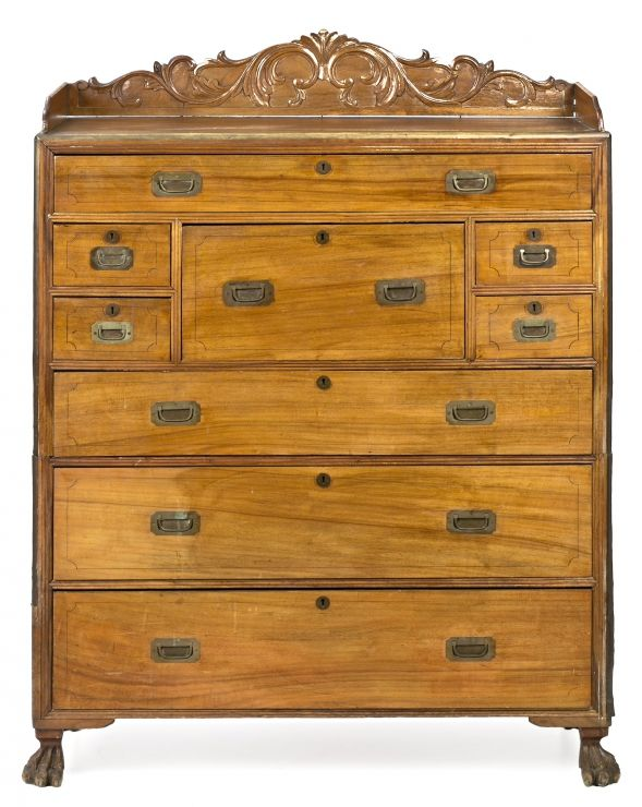 Cómoda-escritorio de barco inglesa en madera de satín, alcanfor y nogal, de finales del siglo XIX