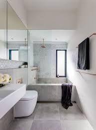 Photo of bagno stretto e lungo