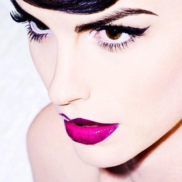 Opvallend paars lippenmake-up
